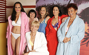 Mature women getting relaxed in an on all sides of womanlike sauna