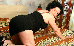 Horny mature slut playing all through their way house