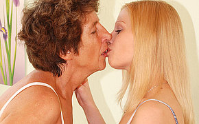 Fullgrown lesbian Felice loves the taste of young pussy