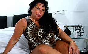 Big breasted mature slut getting grungy as hell