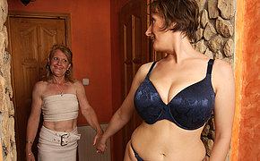 Mature Lesbians In Bed