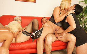 Four mature sluts imploring be proper of a warm hot facial