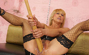 Bizarre blonde mama getting fisted by a hot babe