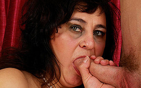 Cock swallowing mama takes on a hard cock