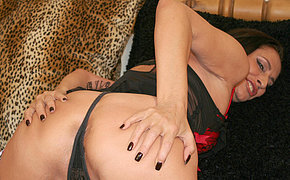 Hot and horny missus playing with herself