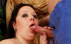 Huge titted MILF getting a mouth full of jizz
