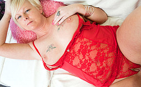 This naughty blonde mature lady loves to play alone