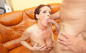 This horny mom loves to get a pie and a pee