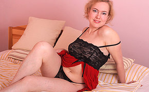 Naughty mature Peska loves playing with her pussy