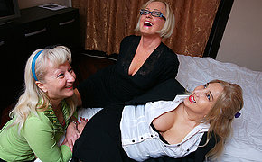 Three naughty housewives licking cunt