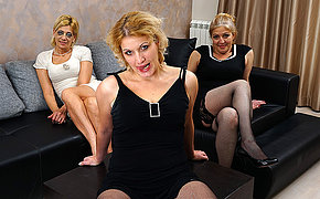 Three mature housewives getting full lesbian on eachother
