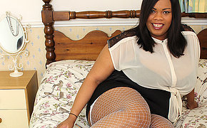 British black BBW showing off her big tits