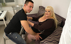 Curvy mature lady fucking hard with her younger lover