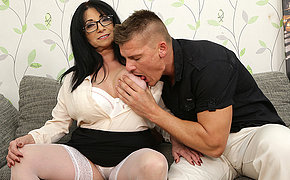 Big breasted small milf fucking a tall younger dude